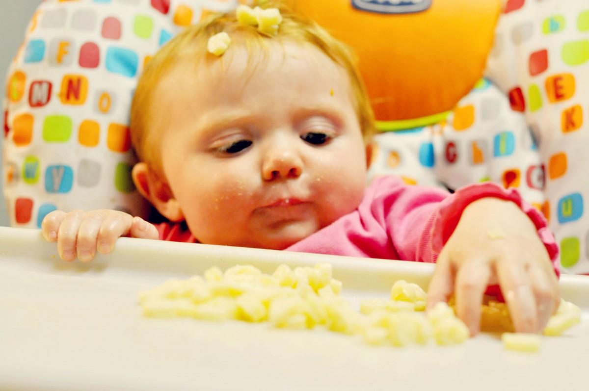 feeding-baby3